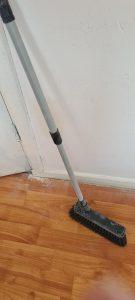 Bij het bestrijden van muizen komt meer kijken dan alleen het dichten van gaten. Maak je huis zo ongastvrij voor muizen als mogelijk. Geen vocht of voedsel laten slingeren en goed opruimen.