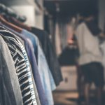 Hoe moet je vlooien uit kleding verwijderen?